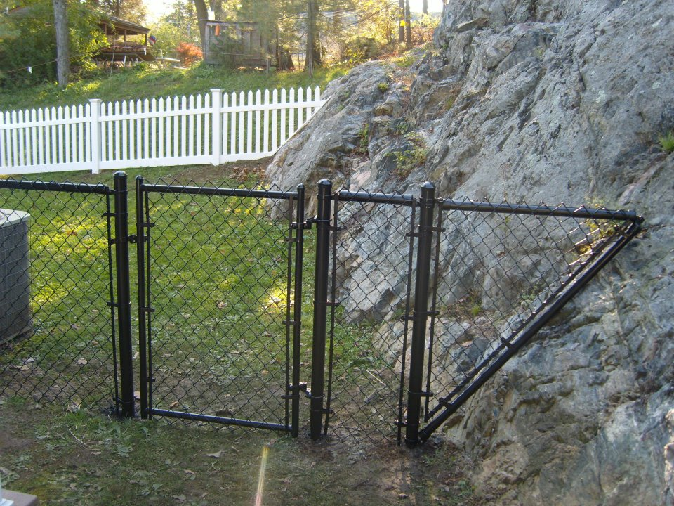 custom chain link gate fence