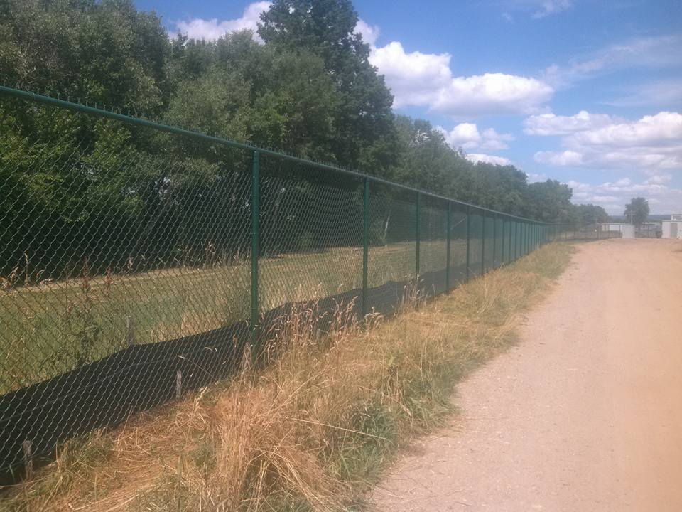 commercial farm fence installation 2