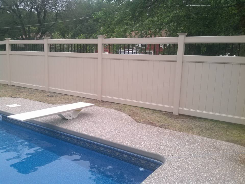 Vinyl pool fence with custom design