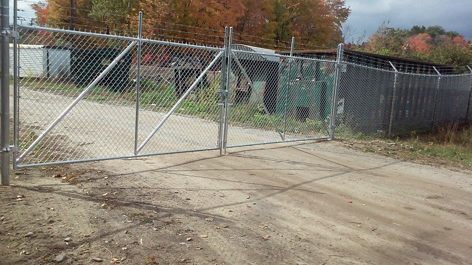 security chain link fence 11