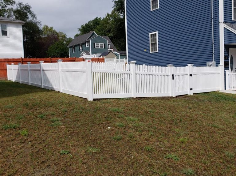 Vinyl fence 3
