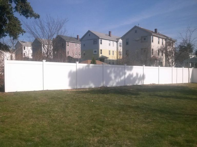 vinyl yard fence massachusetts
